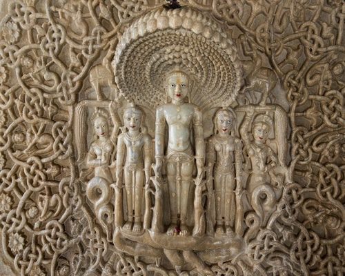 Carvings-in-Ranakpur.jpg.optimal